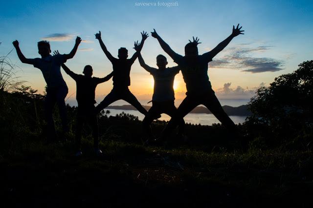 Pelajari Teknik Mudah Membuat Foto Levitasi, Cara Memotret Objek Melayang