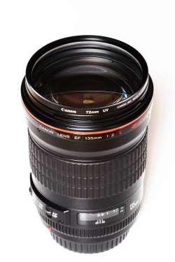 Canon EF 135mm f-2 L USM