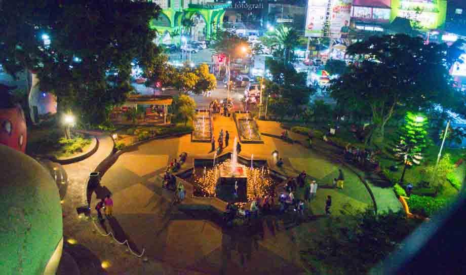 Wisata Kota Batu Malang Meriahnya Alun Alun Kota Di Malam Hari Saveseva Fotografi